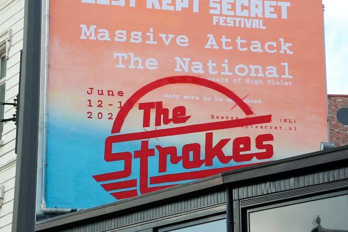 strokes00-01-16-04still029